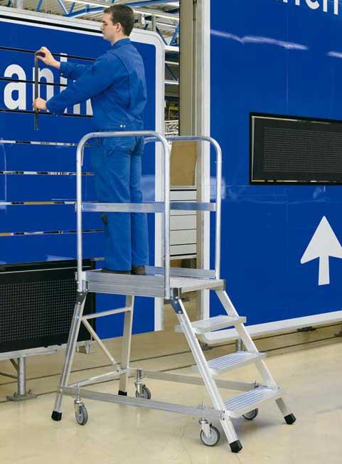 Zarges podesttreppe z600 1x5 stufen podesttreppe for Escaleras zarges